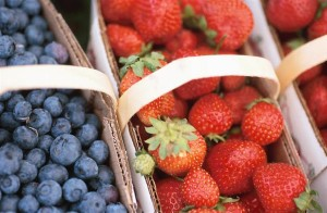 Blueberries-Strawberries-Reduce-Heart-Attack-Risk-in-Women (Small)